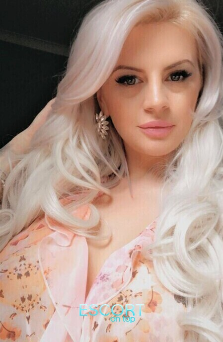 blonde escort in gloucester road for 150 pounds