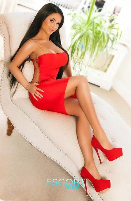 all natural escort girl in london