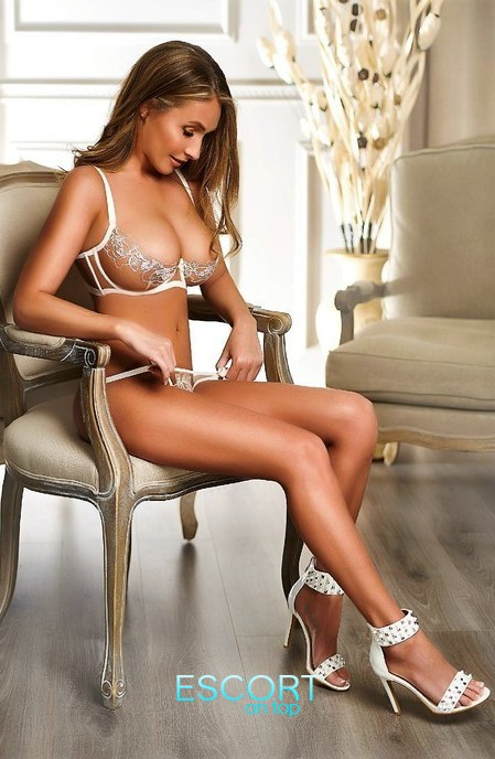 busty blonde escort in marylebone london